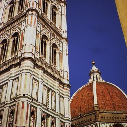 Vista del Duomo y Campanile